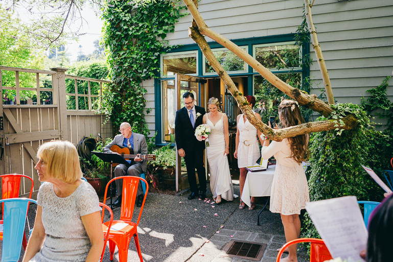 seattle-intimate-wedding-photos-cafe-flora-wedding-0058.jpg