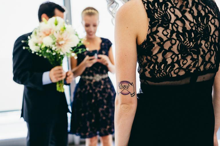 seattle-courthouse-wedding-photographer-0055.jpg