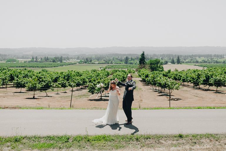 scholls-valley-lodge-wedding-0053.jpg