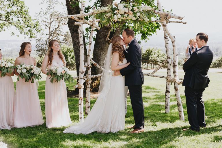 scholls-valley-lodge-wedding-0116.jpg