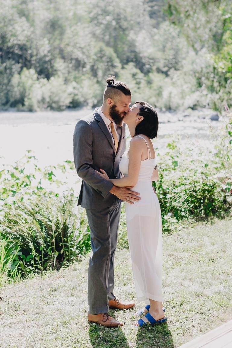 skyomish-river-elopement-photos-kristawelch-0004-1.jpg