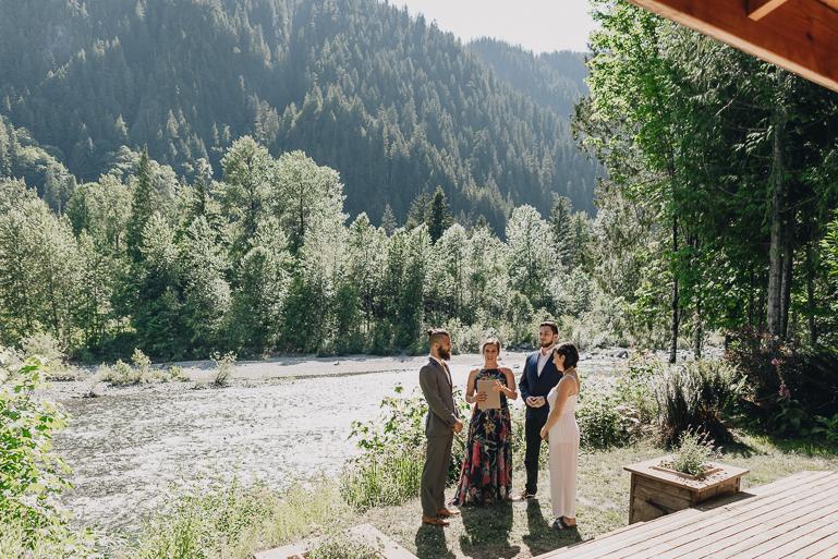 skyomish-river-elopement-photos-kristawelch-0017.jpg