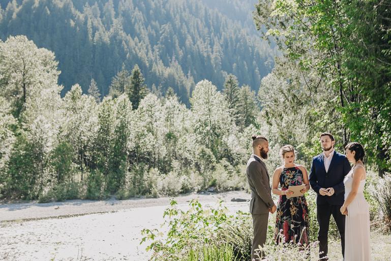 skyomish-river-elopement-photos-kristawelch-0020.jpg