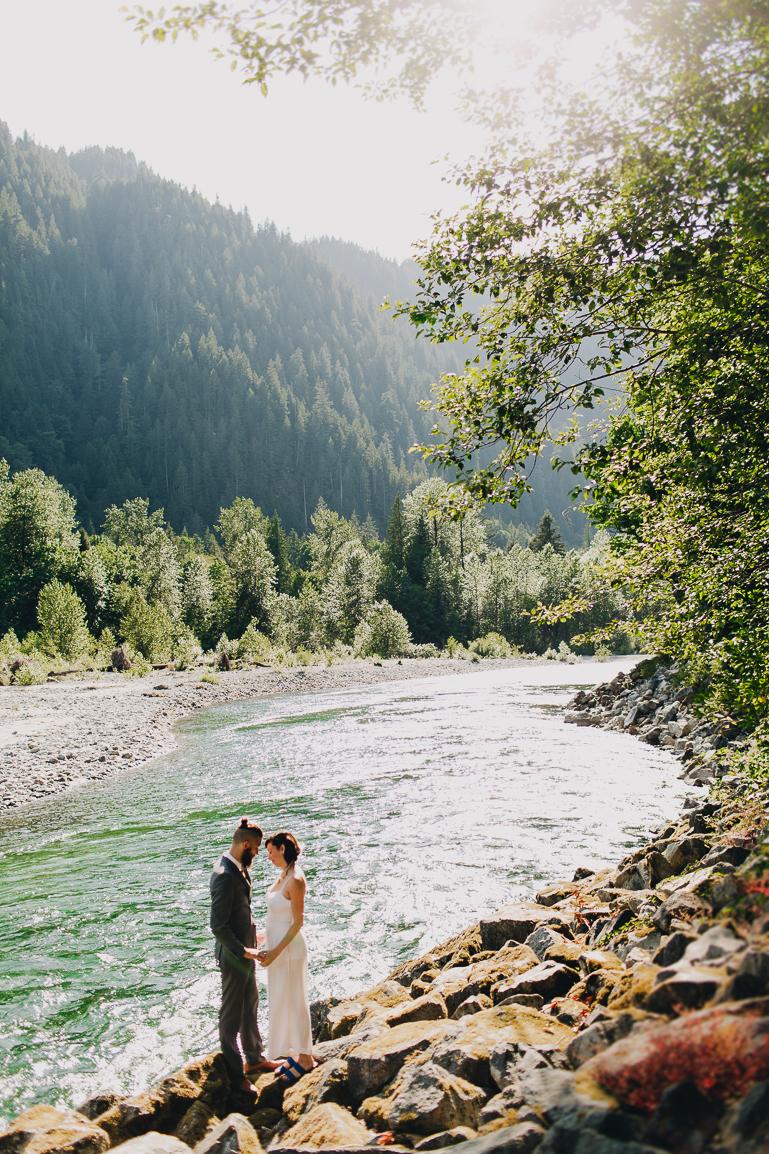 skyomish-river-elopement-photos-kristawelch-0021-1.jpg