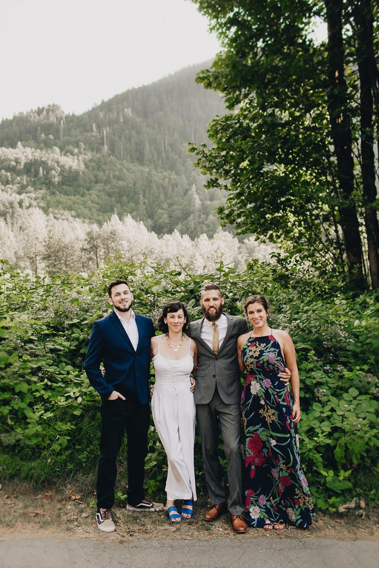 skyomish-river-elopement-photos-kristawelch-0022-1.jpg