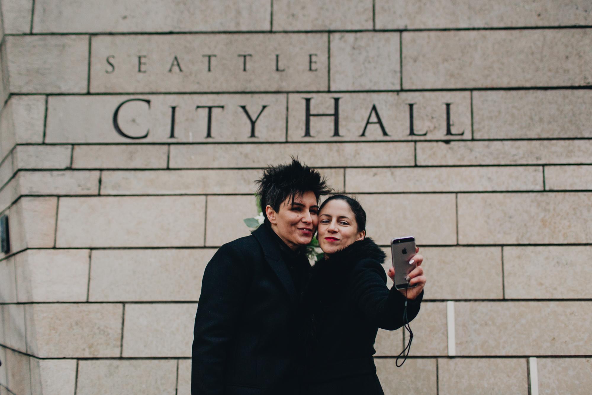 SeattleLGBTQCourthouseWedding_kristawelch42.jpg