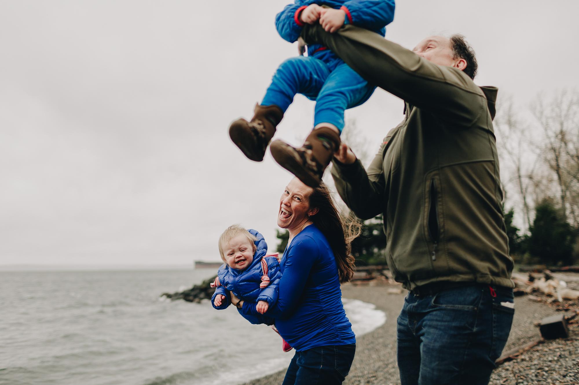 fun family photos seattle-kristawelchcreative-0015.jpg