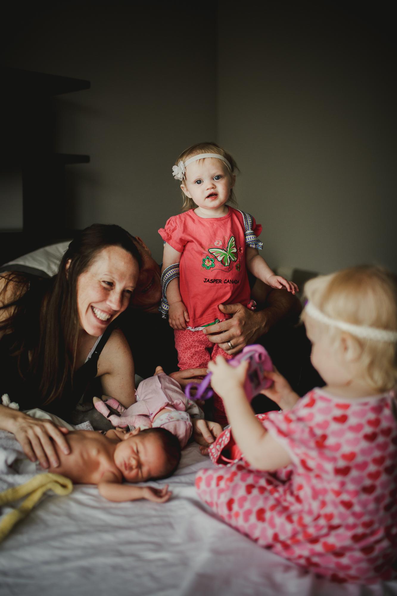 seattle newborn lifestyle family photos by Krista Welch-0023.jpg