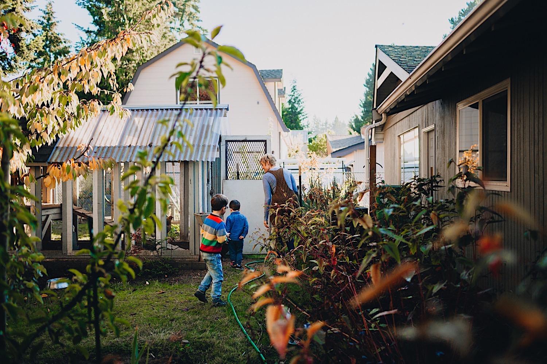 03_Photos_relaxed_Family_Fun_Photography_Seattle_Shoreline_documentary_Child.jpg