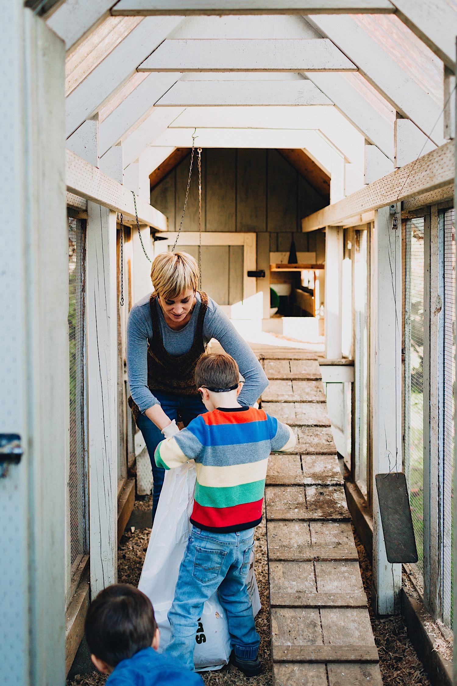 06_Photos_relaxed_Family_Fun_Photography_Seattle_Shoreline_documentary_Child.jpg