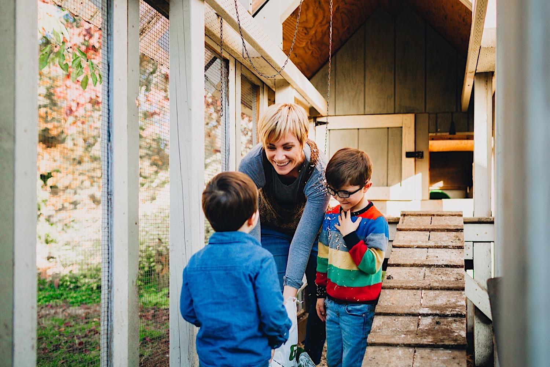 07_Photos_relaxed_Family_Fun_Photography_Seattle_Shoreline_documentary_Child.jpg