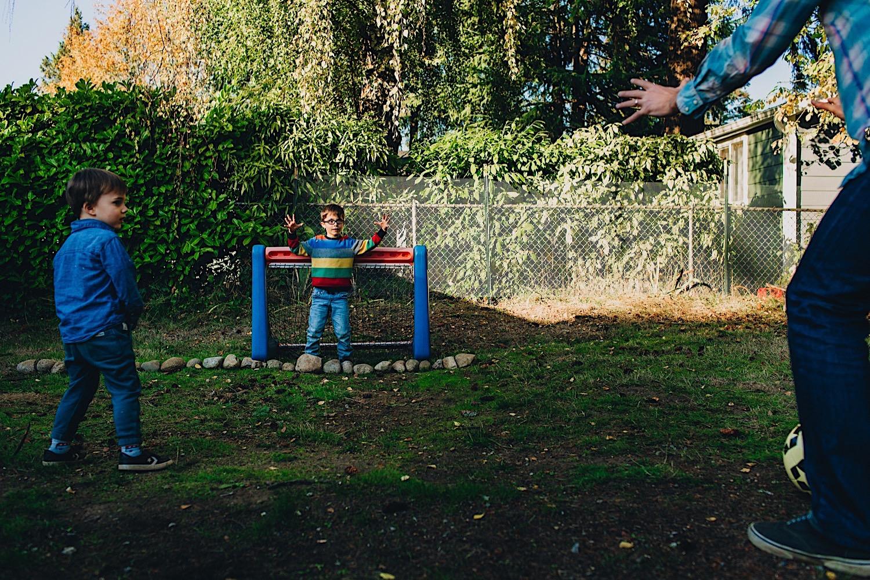 13_Photos_relaxed_Family_Fun_Photography_Seattle_Shoreline_documentary_Child.jpg