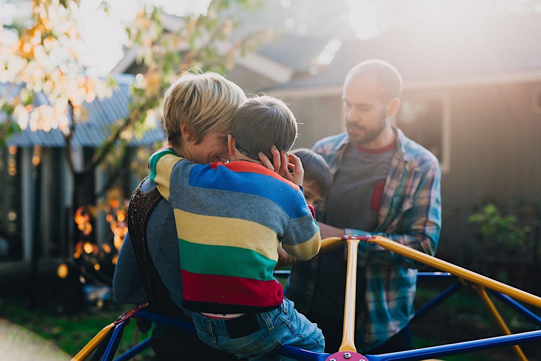 15_Photos_relaxed_Family_Fun_Photography_Seattle_Shoreline_documentary_Child.jpg
