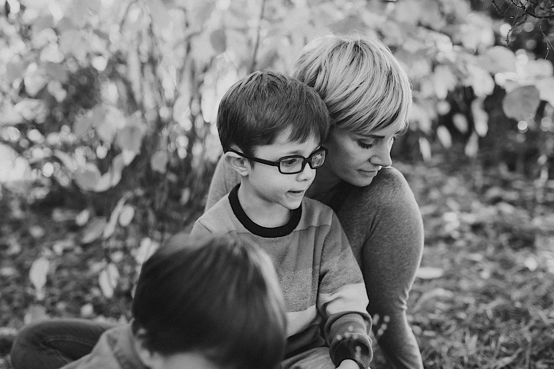 18_Photos_relaxed_Family_Fun_Photography_Seattle_Shoreline_documentary_Child.jpg