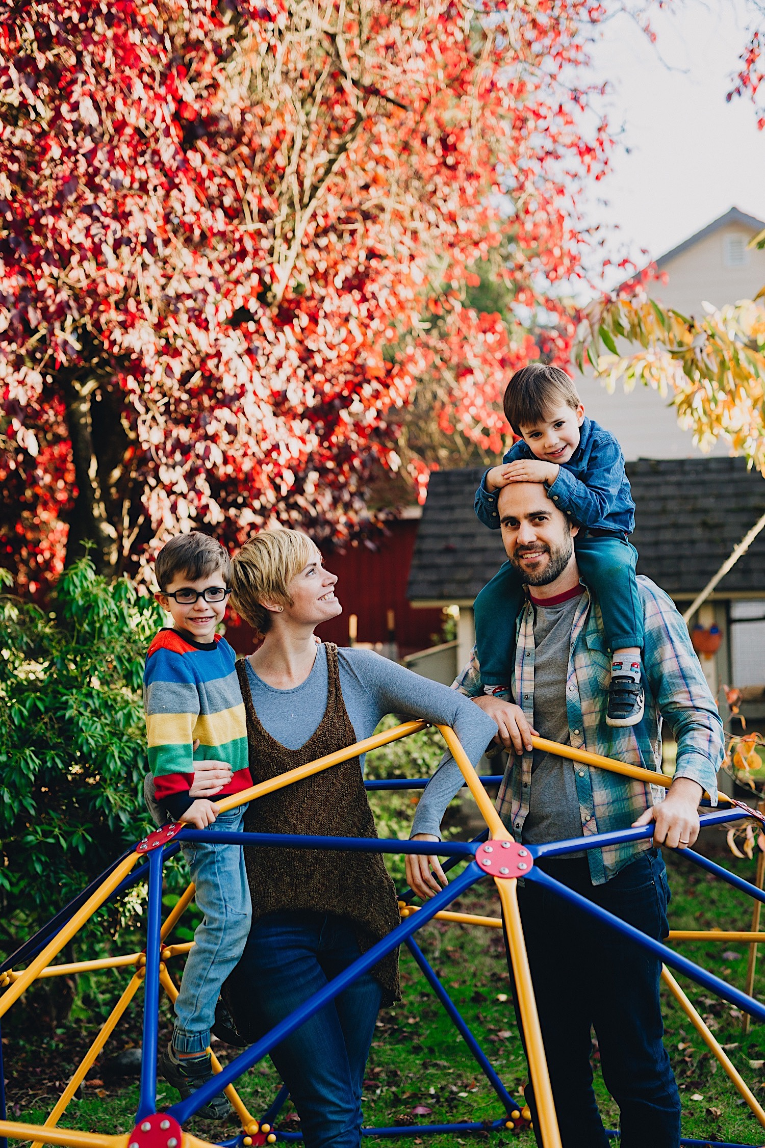 16_Photos_relaxed_Family_Fun_Photography_Seattle_Shoreline_documentary_Child.jpg