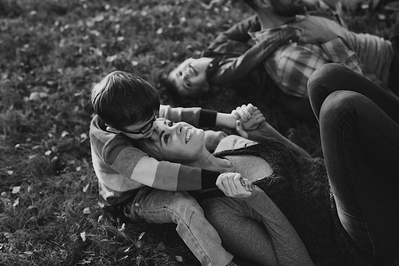 23_Photos_relaxed_Family_Fun_Photography_Seattle_Shoreline_documentary_Child.jpg