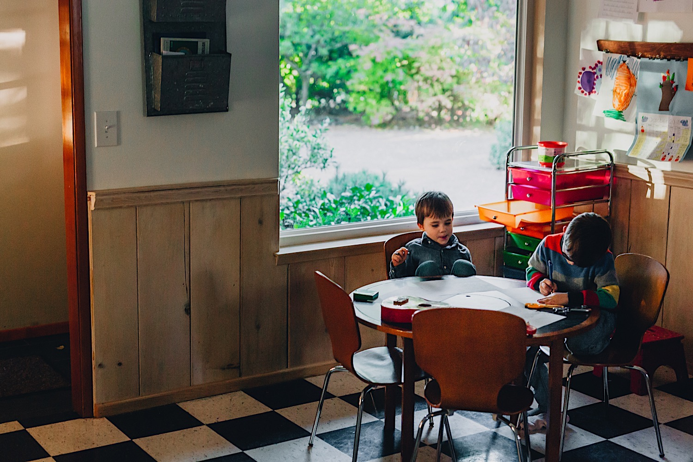 32_Photos_relaxed_Family_Fun_Photography_Seattle_Shoreline_documentary_Child.jpg