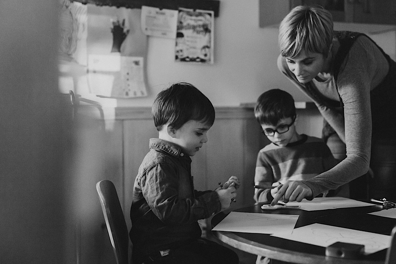 33_Photos_relaxed_Family_Fun_Photography_Seattle_Shoreline_documentary_Child.jpg