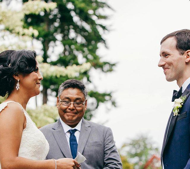 Get yourself a partner who looks at you like this. 😍 . . . #vashonislandwedding #froggsonggardens #vashon #pnw #weddingceremony #kristawelchweddings