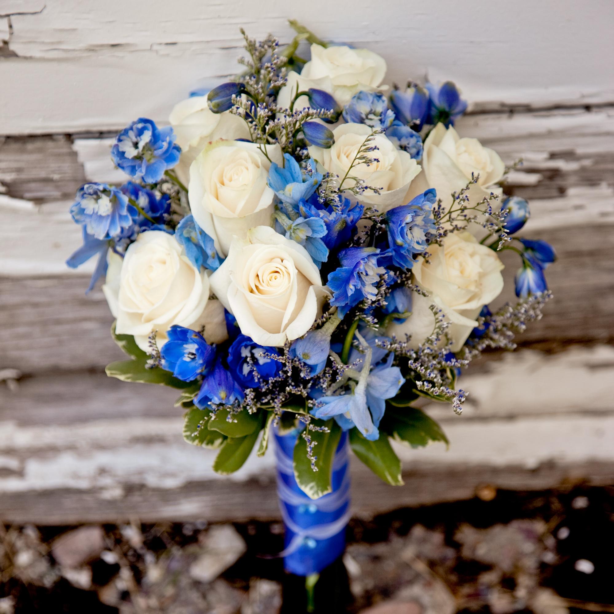 LaceHanky_Flowers_TBT017.jpg
