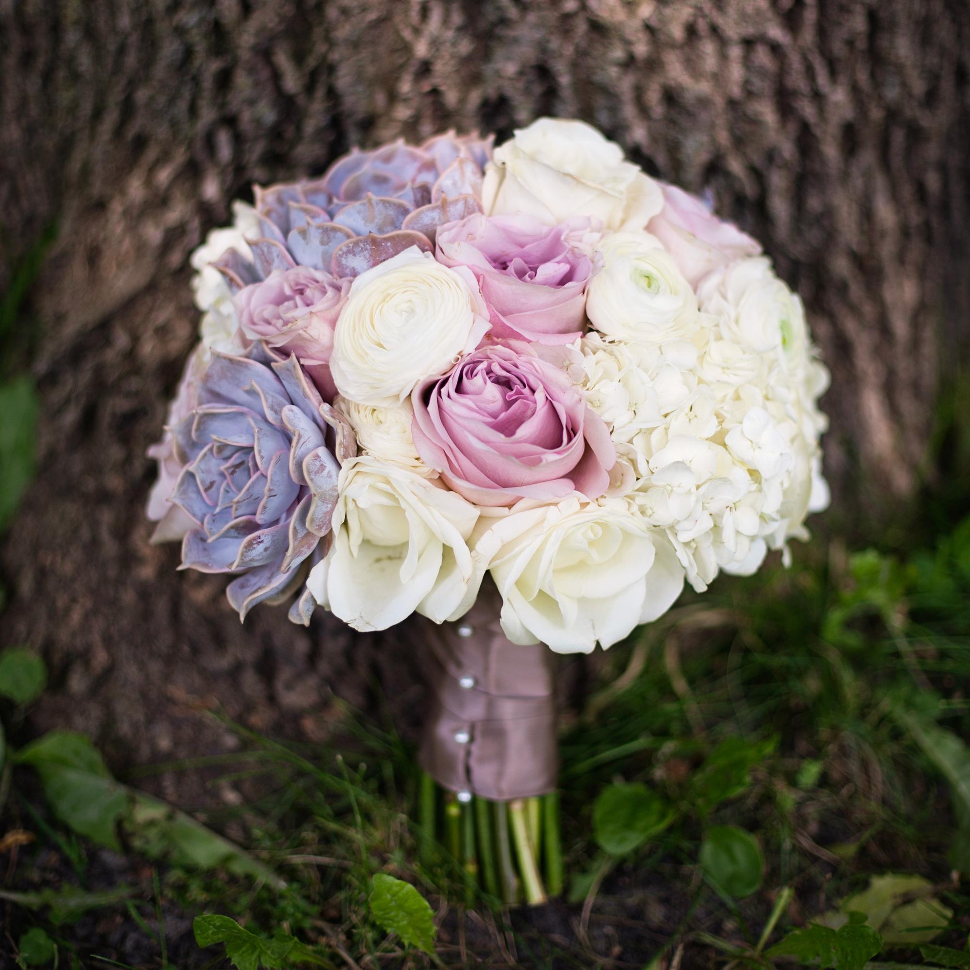 LaceHanky_Flowers_TBT020.jpg