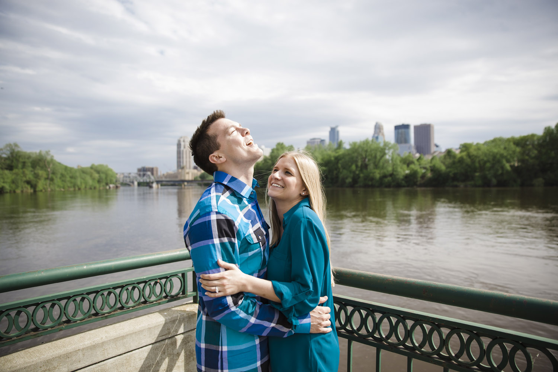 _LaceHanky_Minneapolis_EngagementPhotos_007.jpg