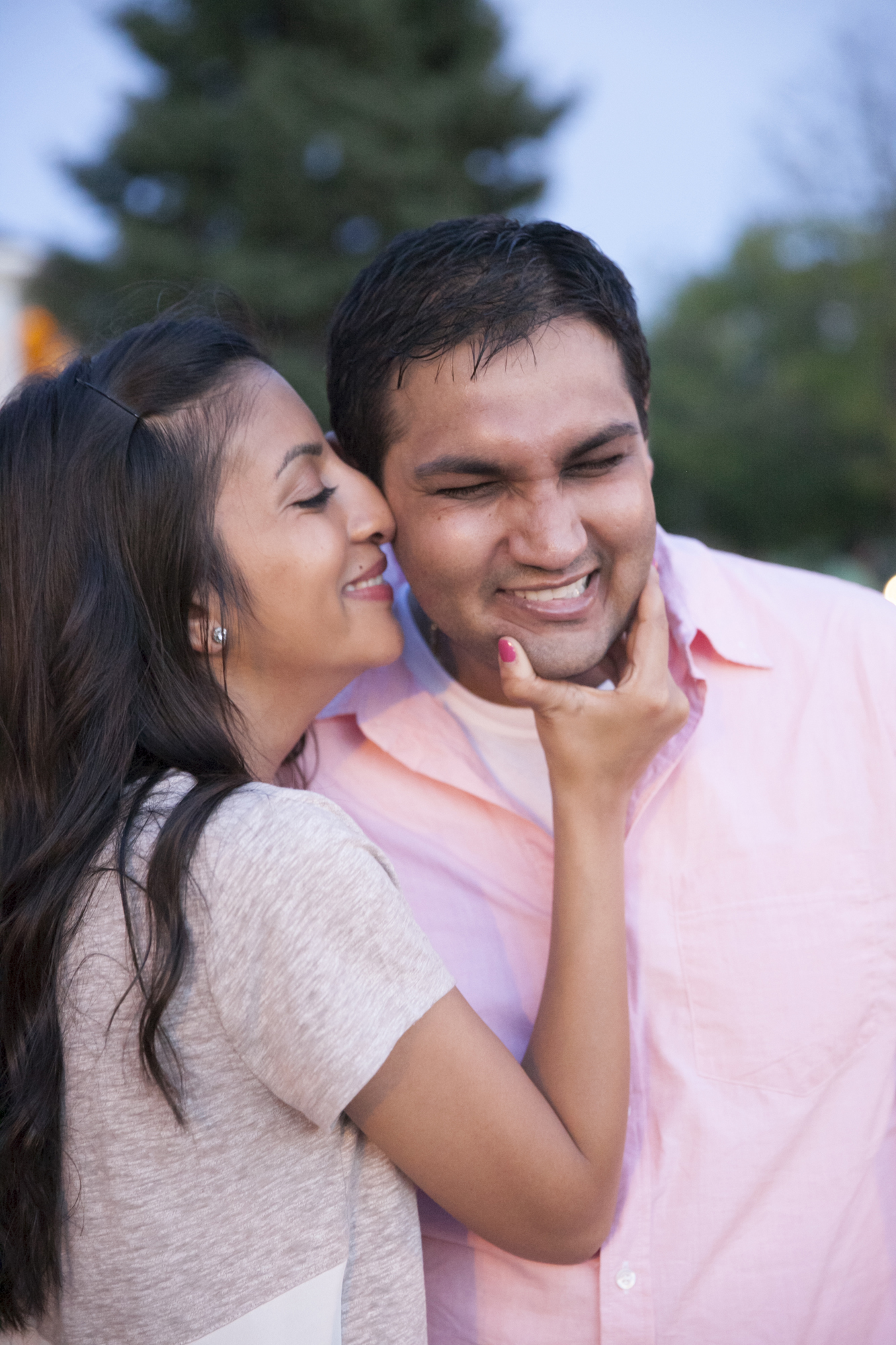 centennial_lake_edina_engagement_22.jpg