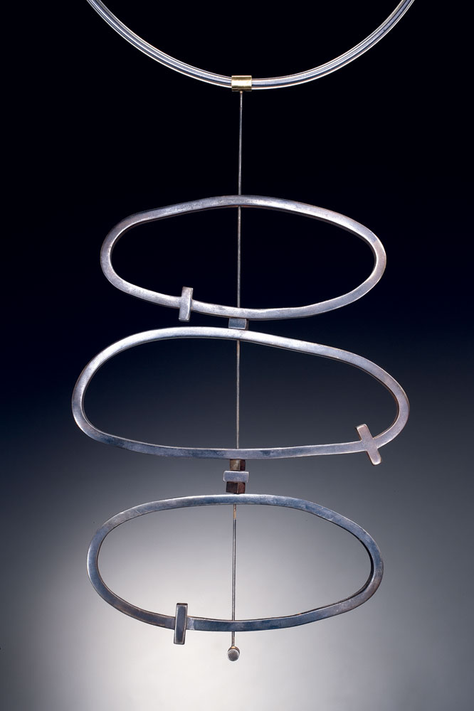 FORGED OVALS NECKLACE of steel, eighteen karat gold, PVC, forged, 30.48 x 12.7 x 1.27 centimeters, 2002.