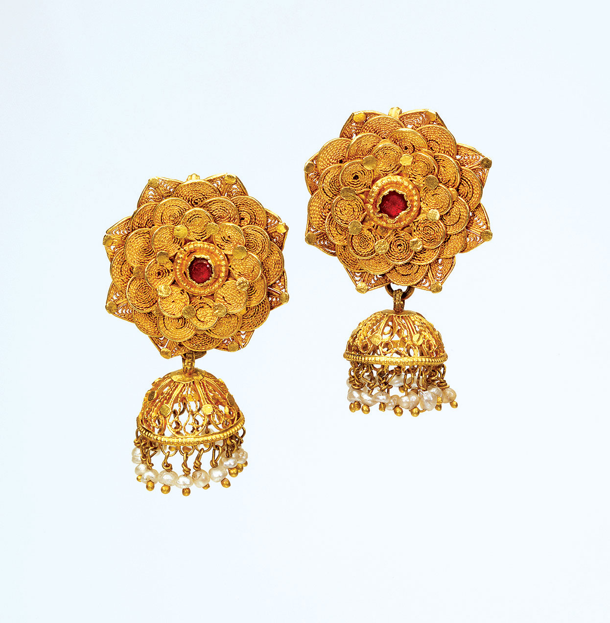 EARRINGS  (karanphul jhikka)  of gold, rubies, pearls, 2.5 × 3.6 centimeters, Orissa, late nineteenth century.