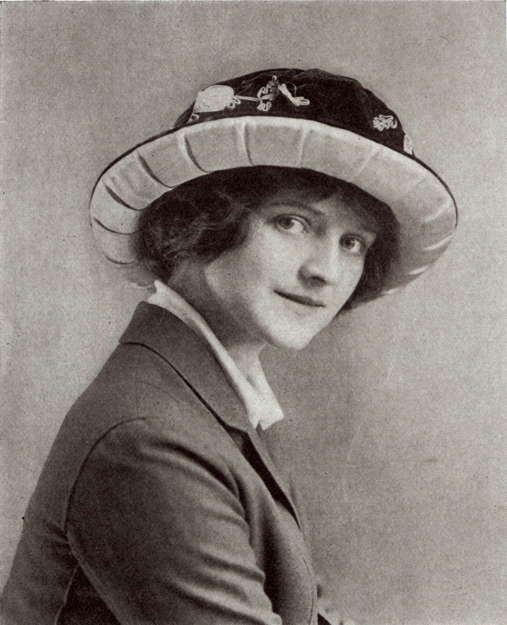 "UNKNOWN WOMAN WEARING AN AUDUBONNET.  American Museum of Natural History, Special Collections.  The Audubon Society also addressed the feather craze by promoting ""birdless hats"" trimmed with a variety of ribbons, flowers and fabric."