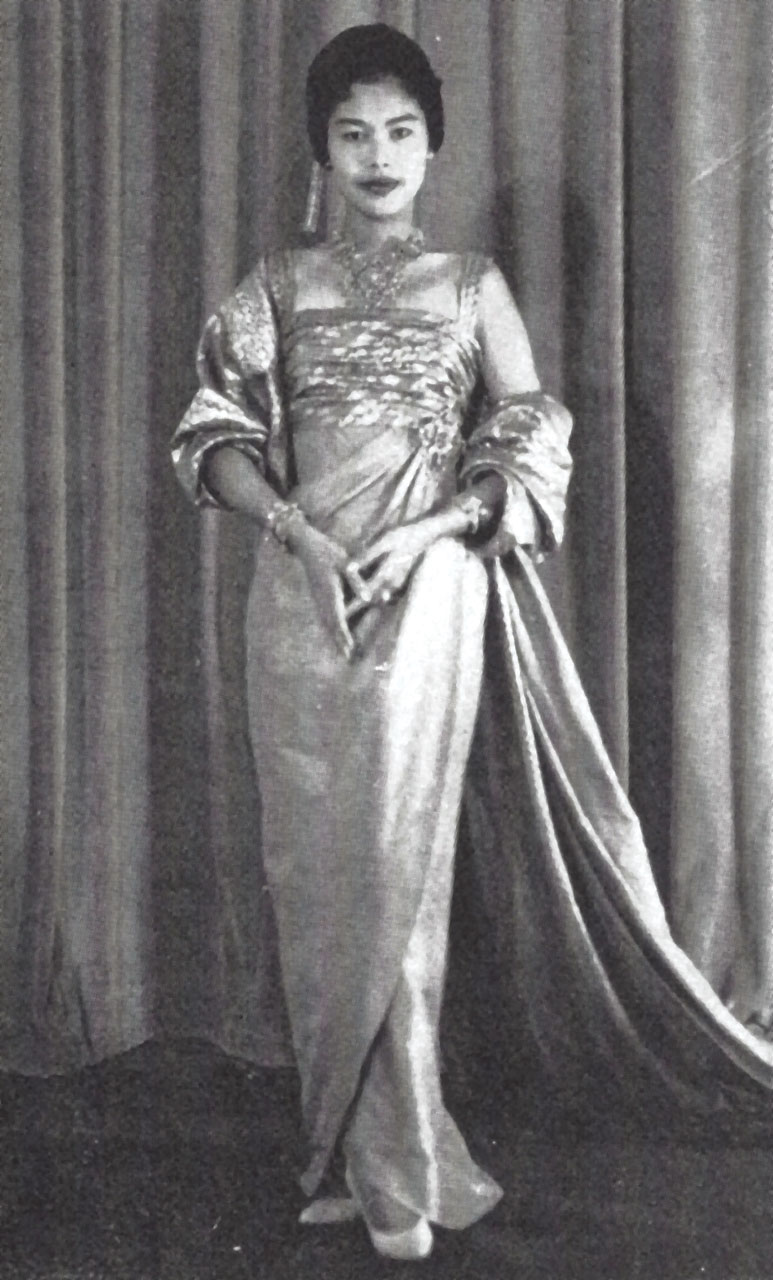 QUEEN SIRIKIT WEARING Nuit a Londres from Balmain's Spring 1960 collection. The Queen's customized version was in Thai silk and had shoulder straps added.