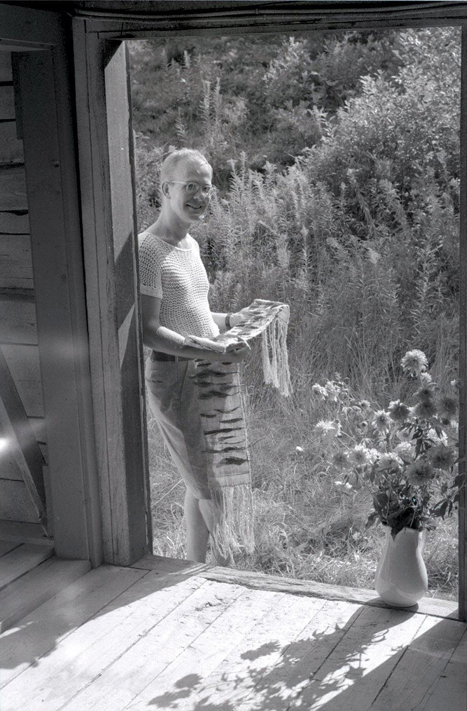 Weaving Instructor Jack Lenor Larsen , 1955.