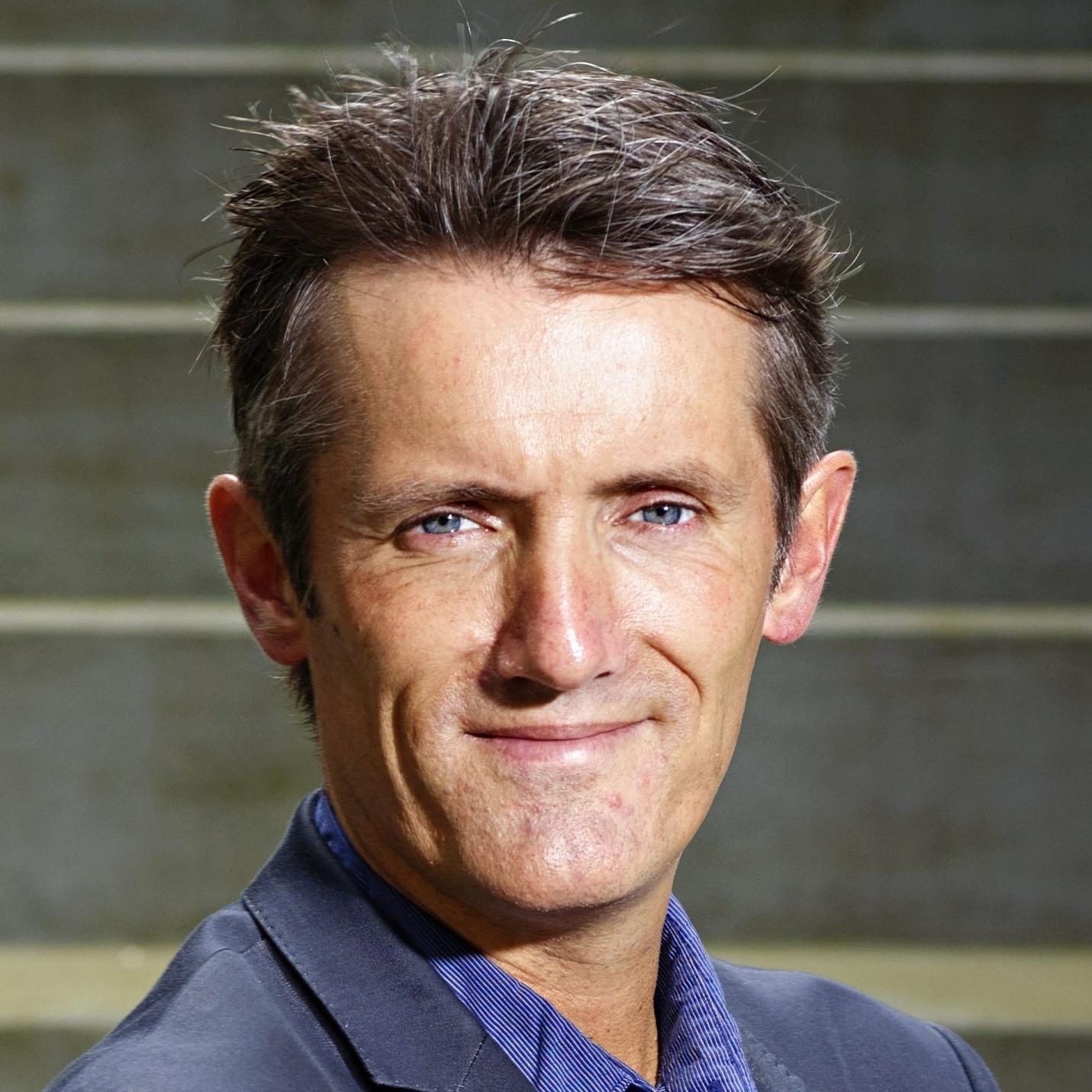 Dr. Stefan Paas