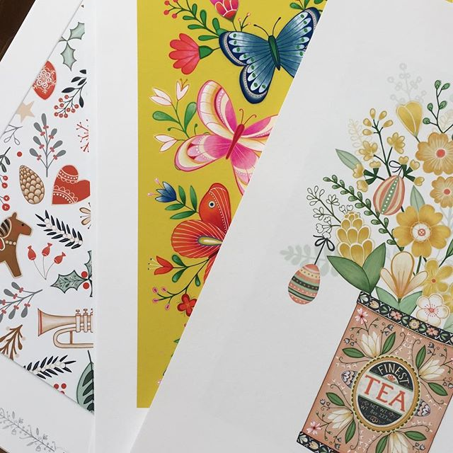 Printing out lots of portfolio prints ready for @blueprintshows where I will be showing at show 2! Link in my profile #blueprintshow #blueprintshow2 #surfacepattern #illustration #design #artlicensing #art #createeveryday #harrietmellor