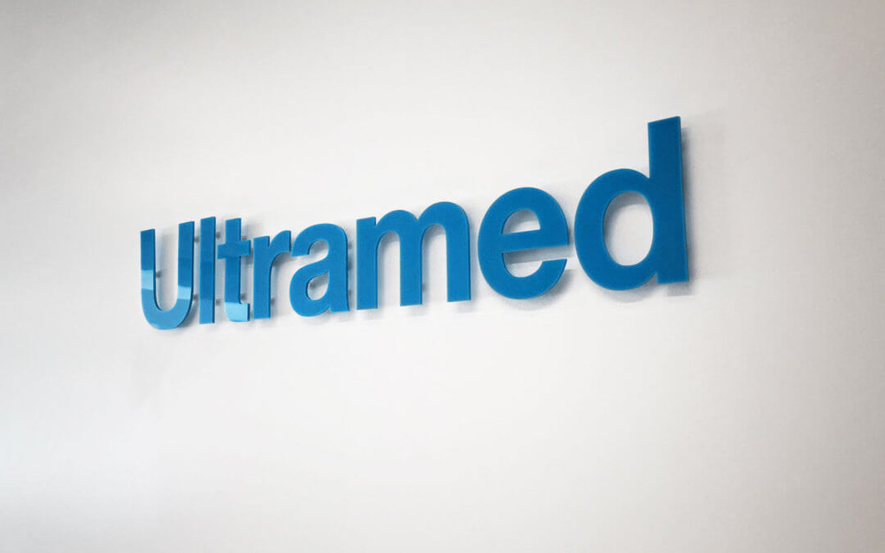 Ultramed_Logo-on-wall_Branding