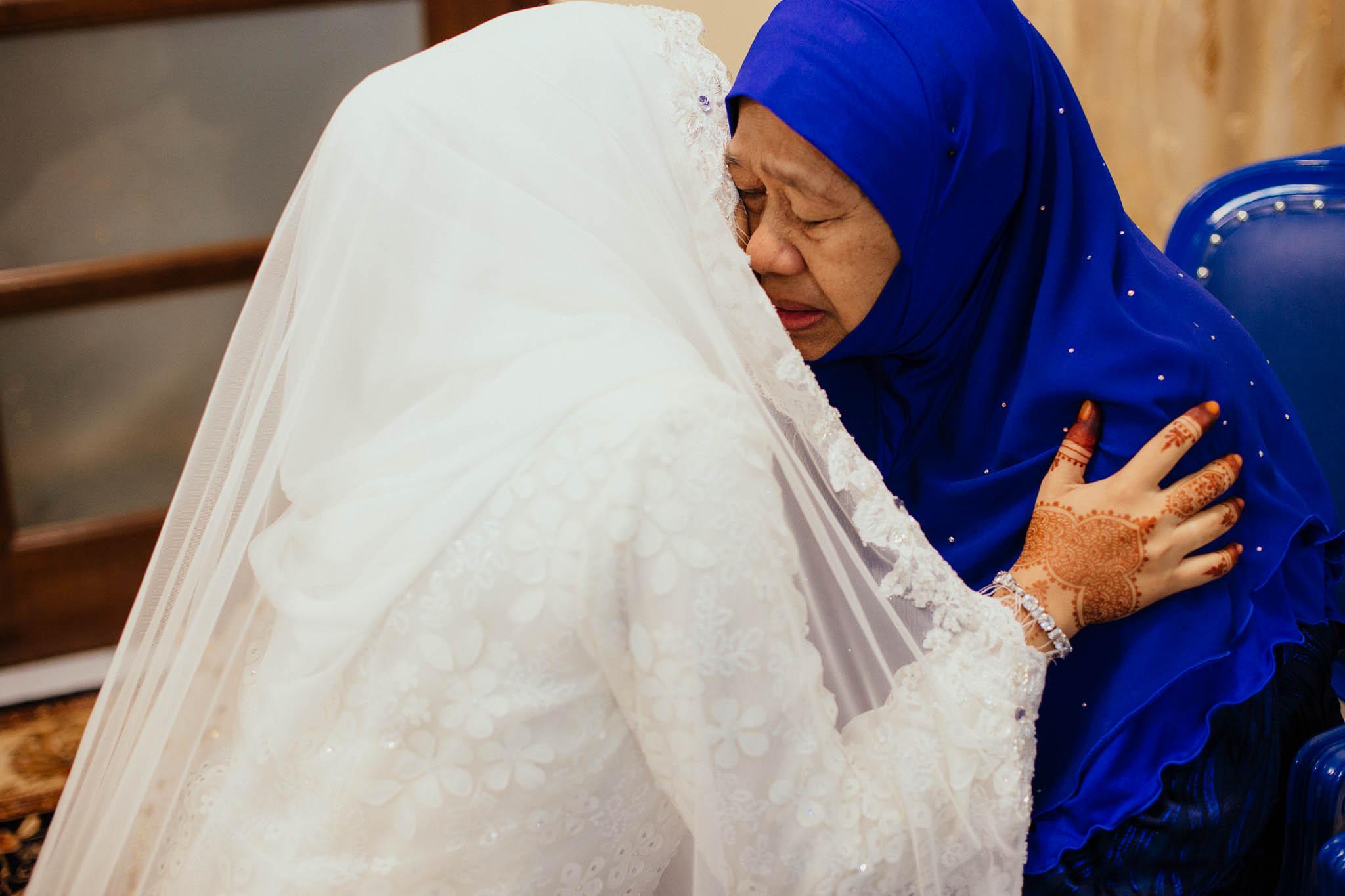 singapore-wedding-photographer-travel-wemadethese-atara-hafizah-06.jpg