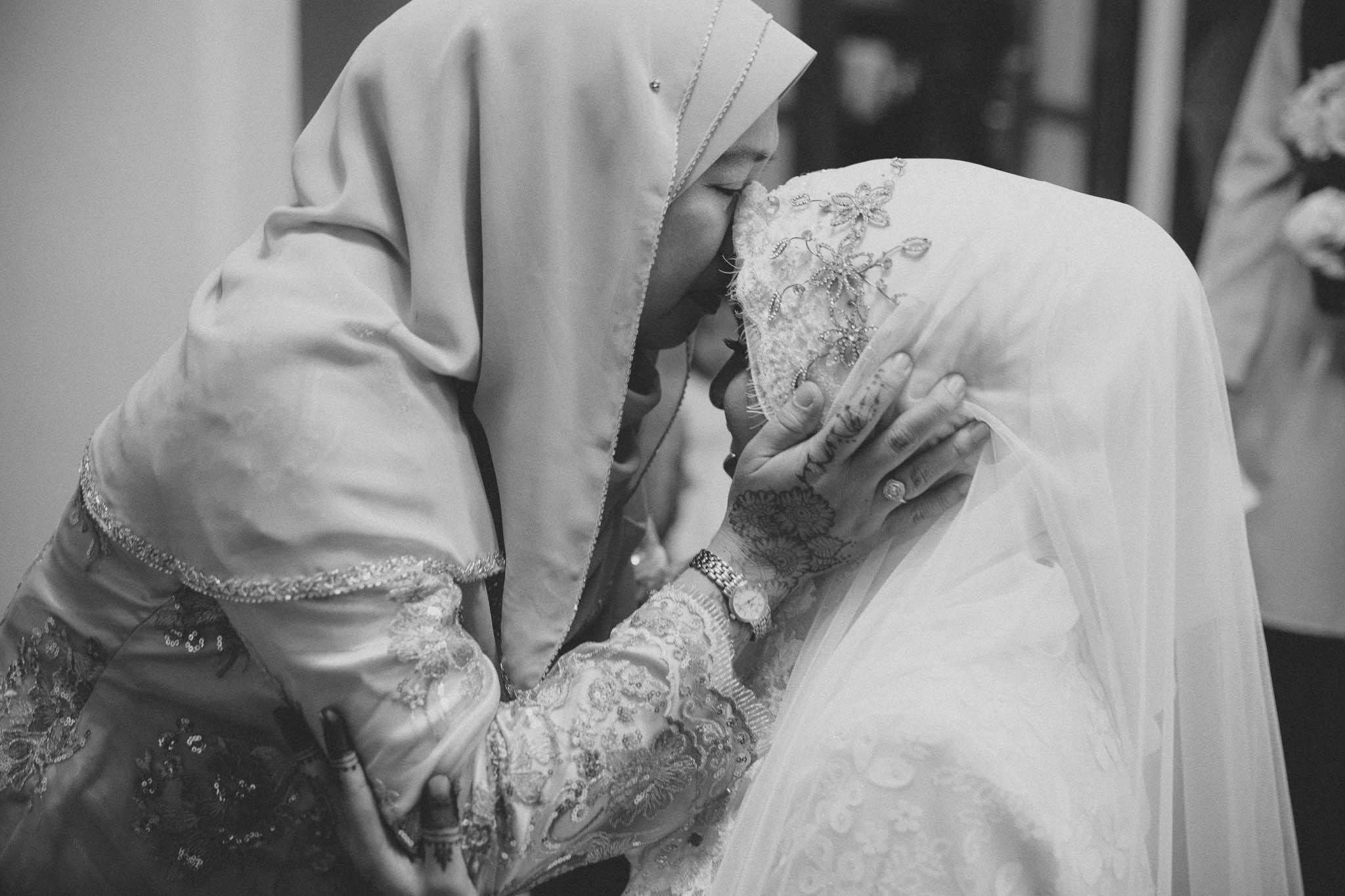 singapore-wedding-photographer-travel-wemadethese-atara-hafizah-05.jpg