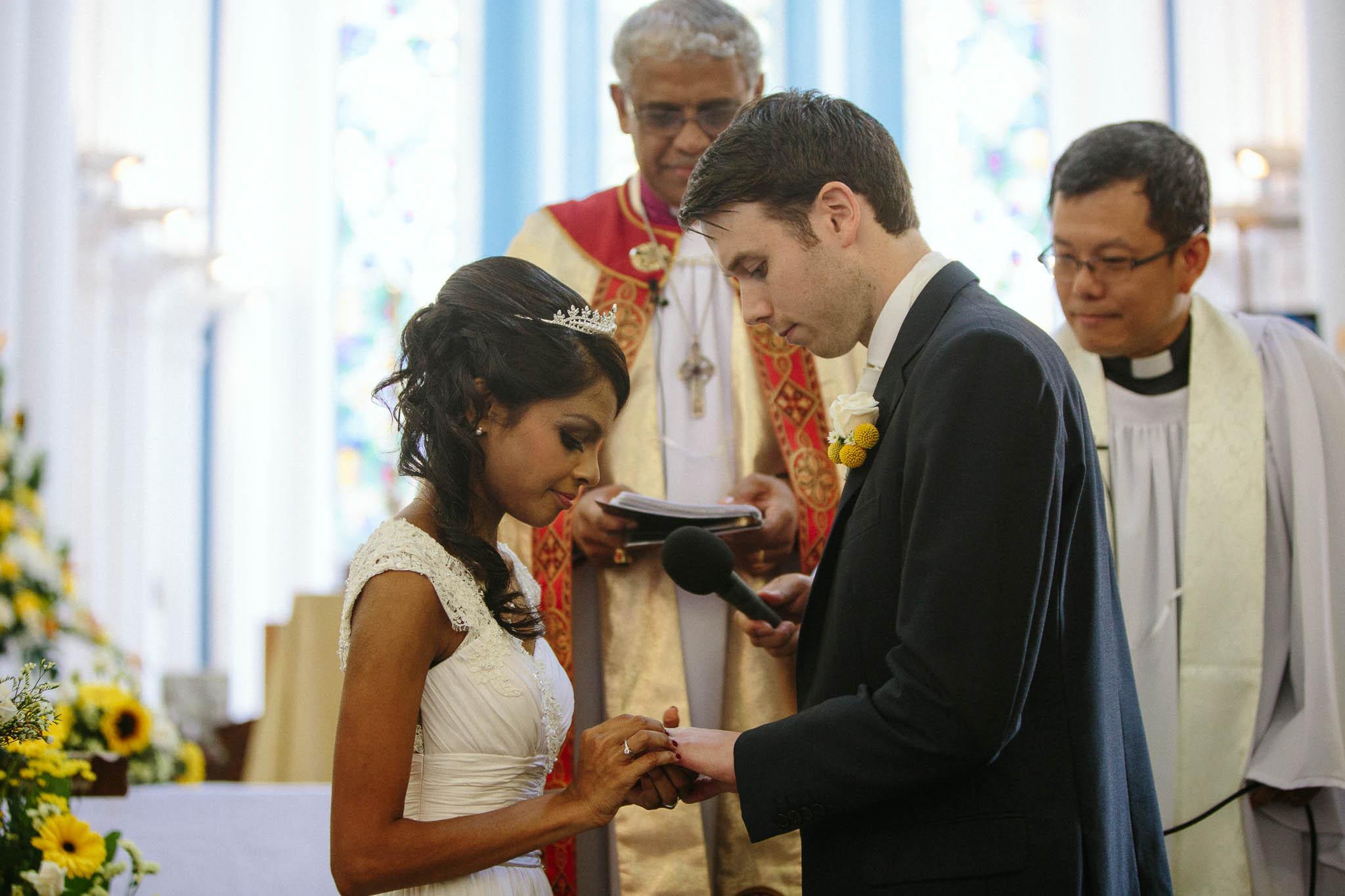 singapore-wedding-photographer-st-andrews-cathedral-renita-david-17.jpg
