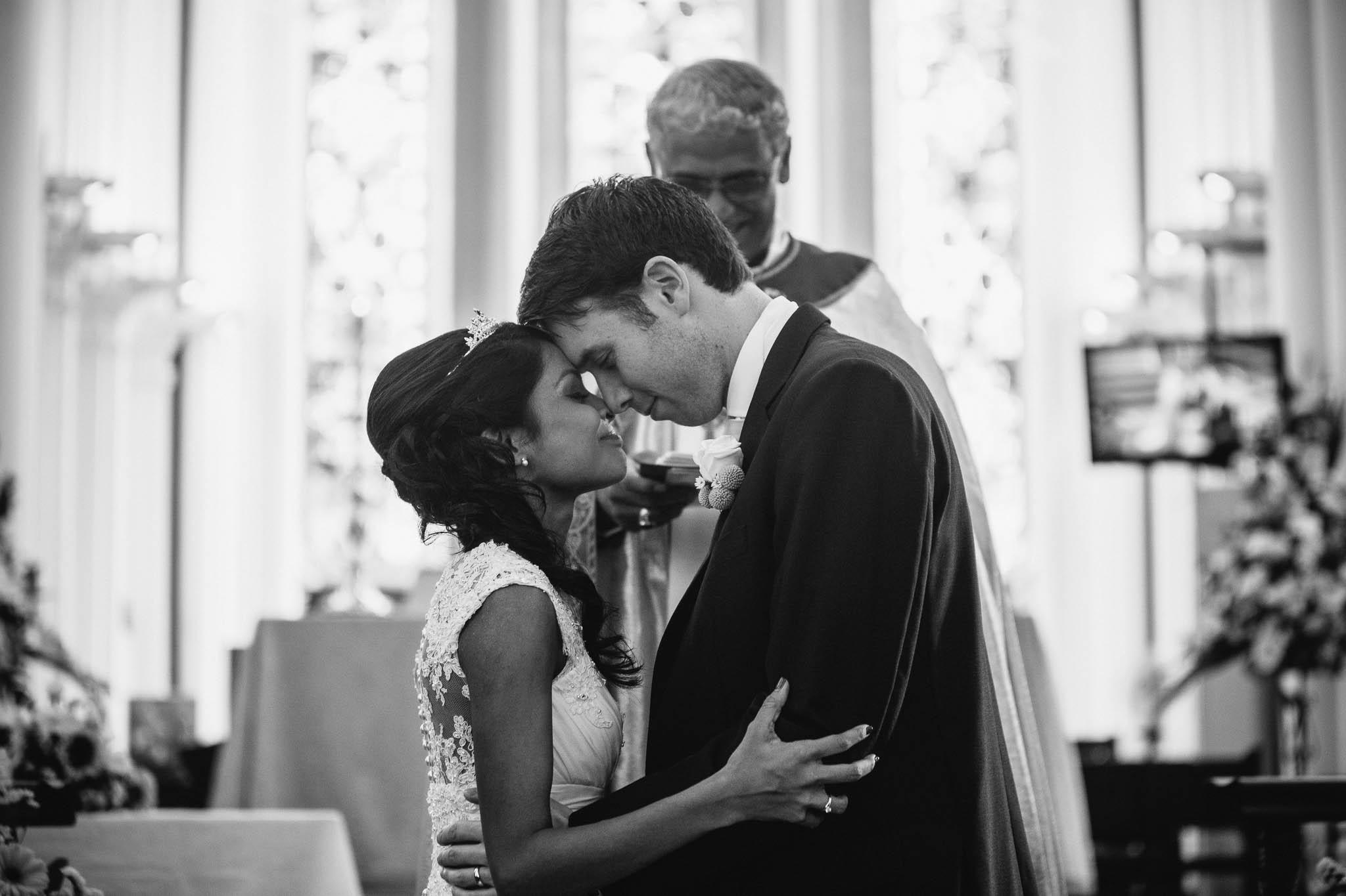 singapore-wedding-photographer-st-andrews-cathedral-renita-david-18.jpg