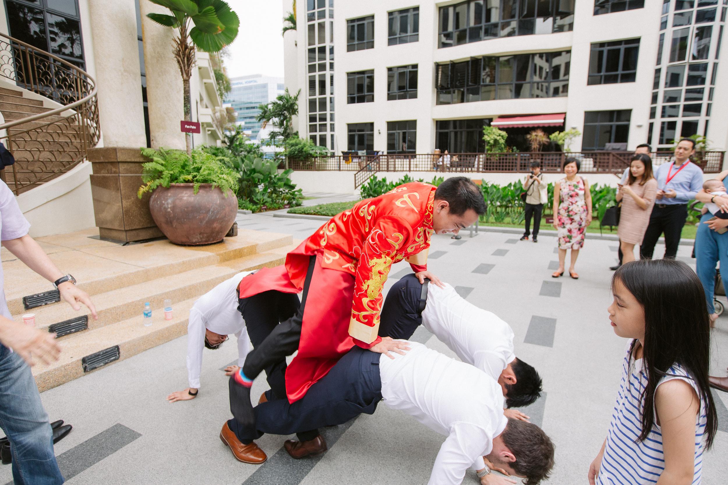singapore-wedding-photographer-cheryl-matthew-fullerton-hotel-wedding-13.jpg