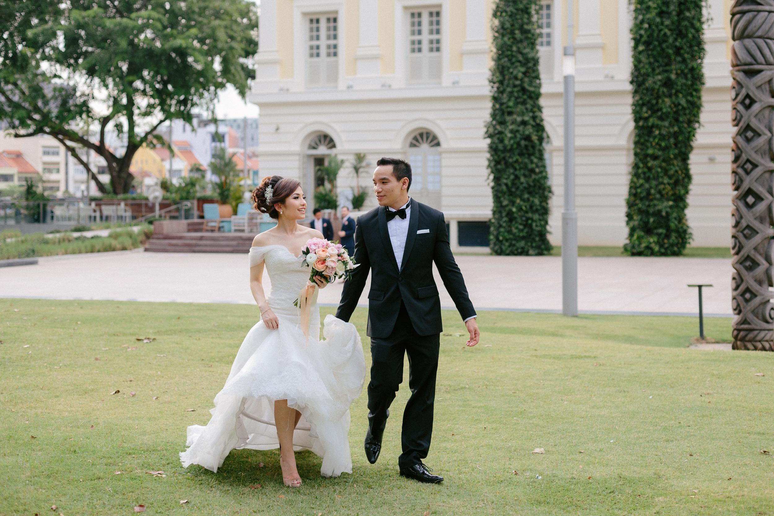 singapore-wedding-photographer-cheryl-matthew-fullerton-hotel-wedding-46.jpg