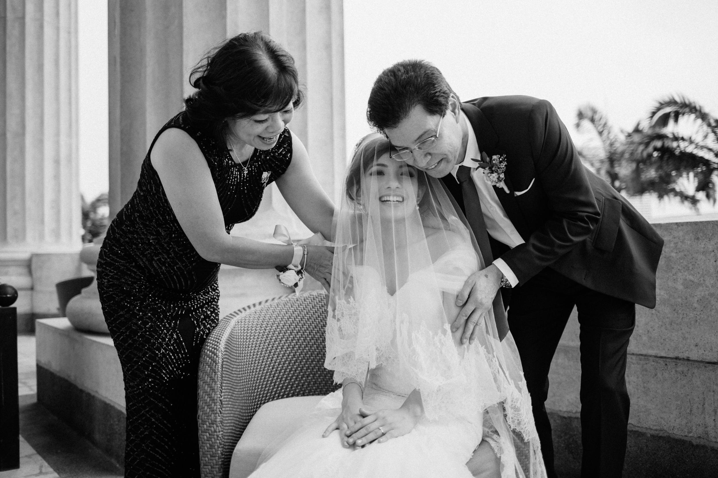 singapore-wedding-photographer-cheryl-matthew-fullerton-hotel-wedding-51.jpg
