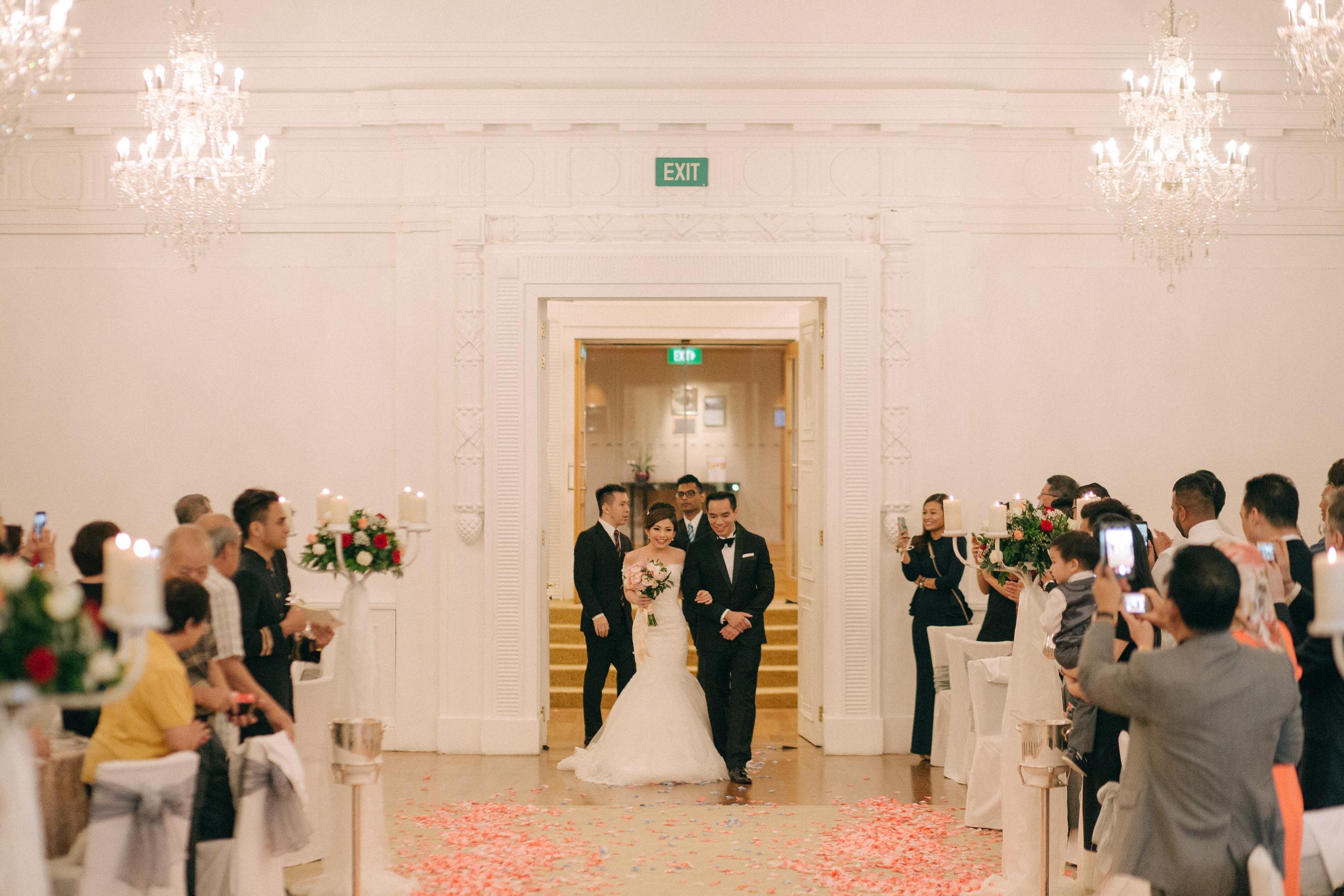 singapore-wedding-photographer-cheryl-matthew-fullerton-hotel-wedding-55.jpg