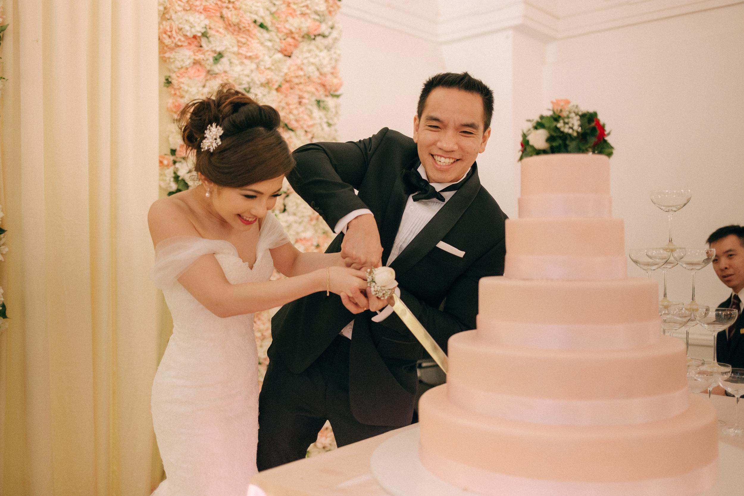 singapore-wedding-photographer-cheryl-matthew-fullerton-hotel-wedding-59.jpg