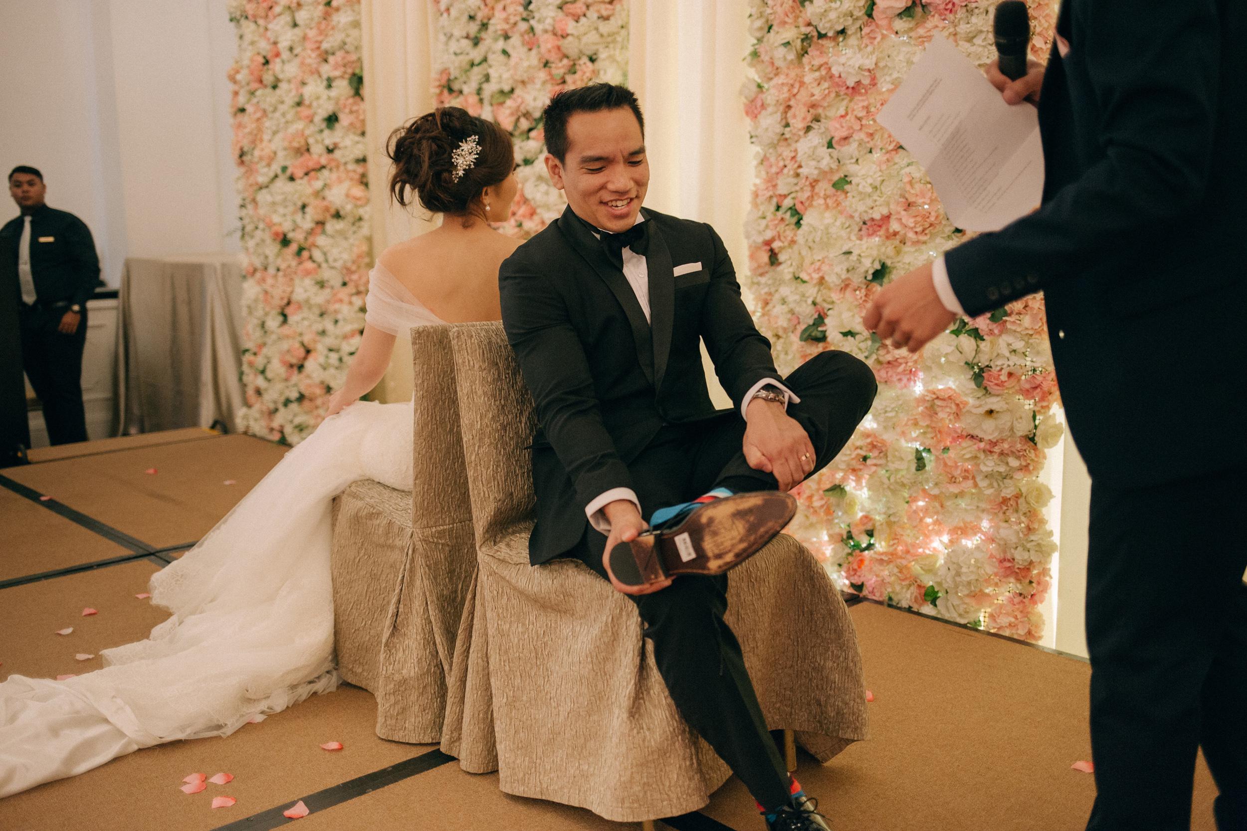 singapore-wedding-photographer-cheryl-matthew-fullerton-hotel-wedding-69.jpg