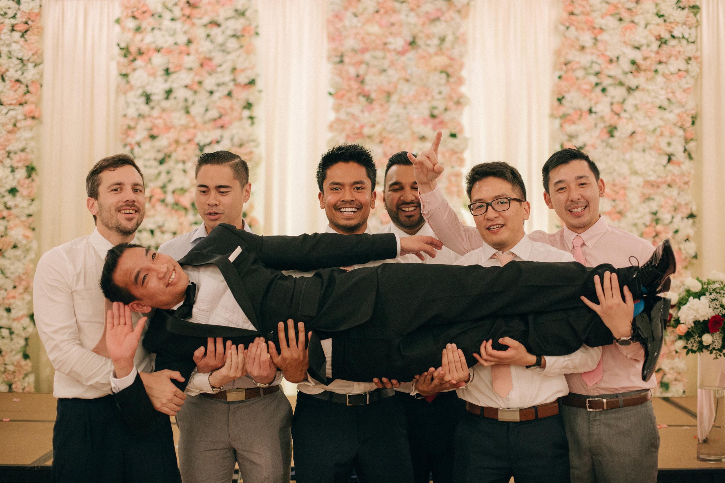 singapore-wedding-photographer-cheryl-matthew-fullerton-hotel-wedding-79.jpg