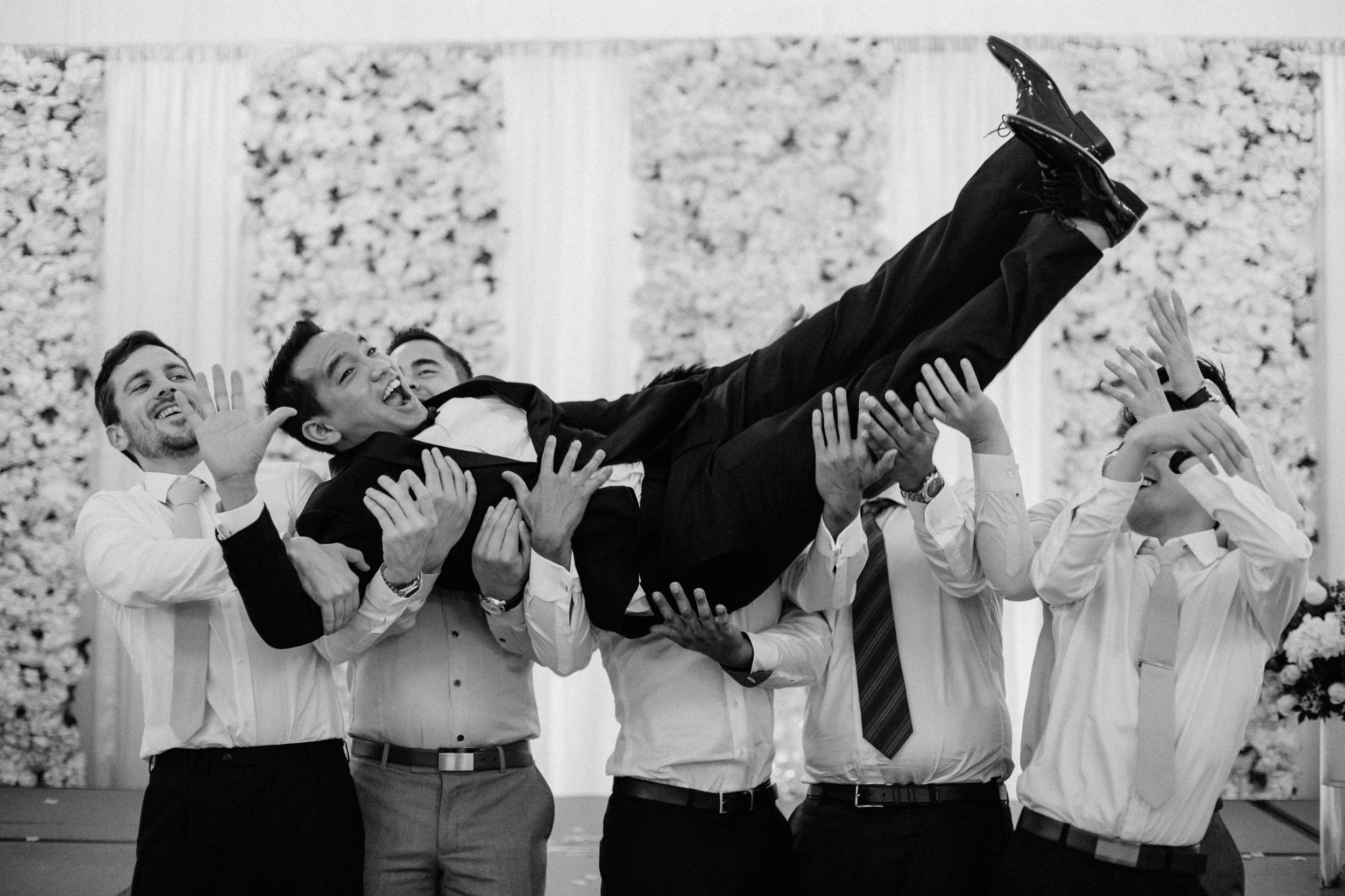 singapore-wedding-photographer-cheryl-matthew-fullerton-hotel-wedding-80.jpg
