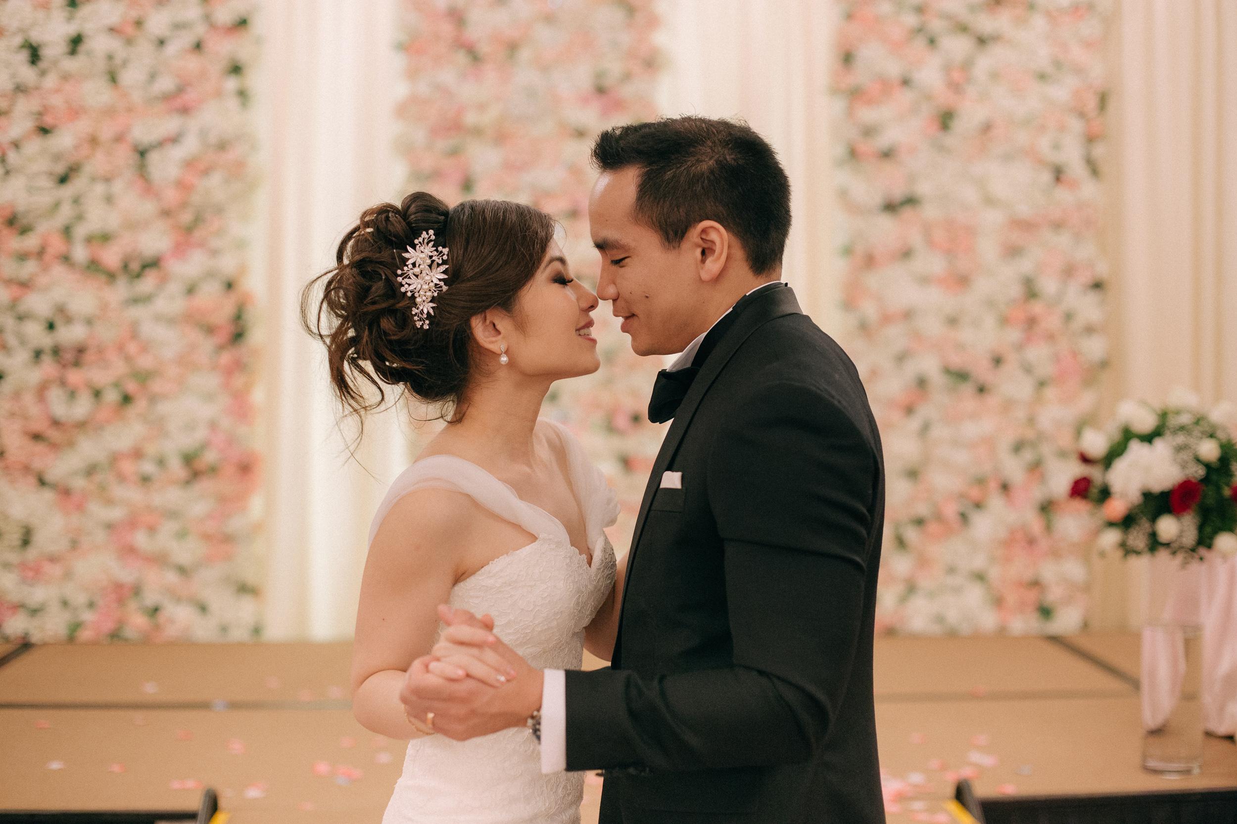 singapore-wedding-photographer-cheryl-matthew-fullerton-hotel-wedding-81.jpg
