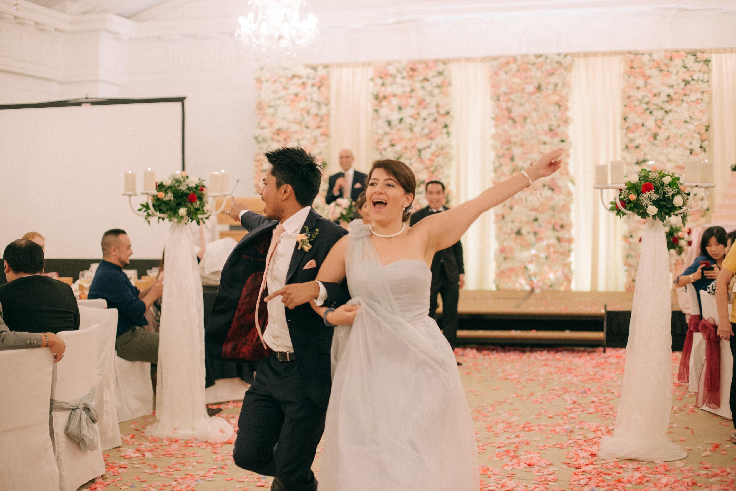 singapore-wedding-photographer-cheryl-matthew-fullerton-hotel-wedding-87.jpg