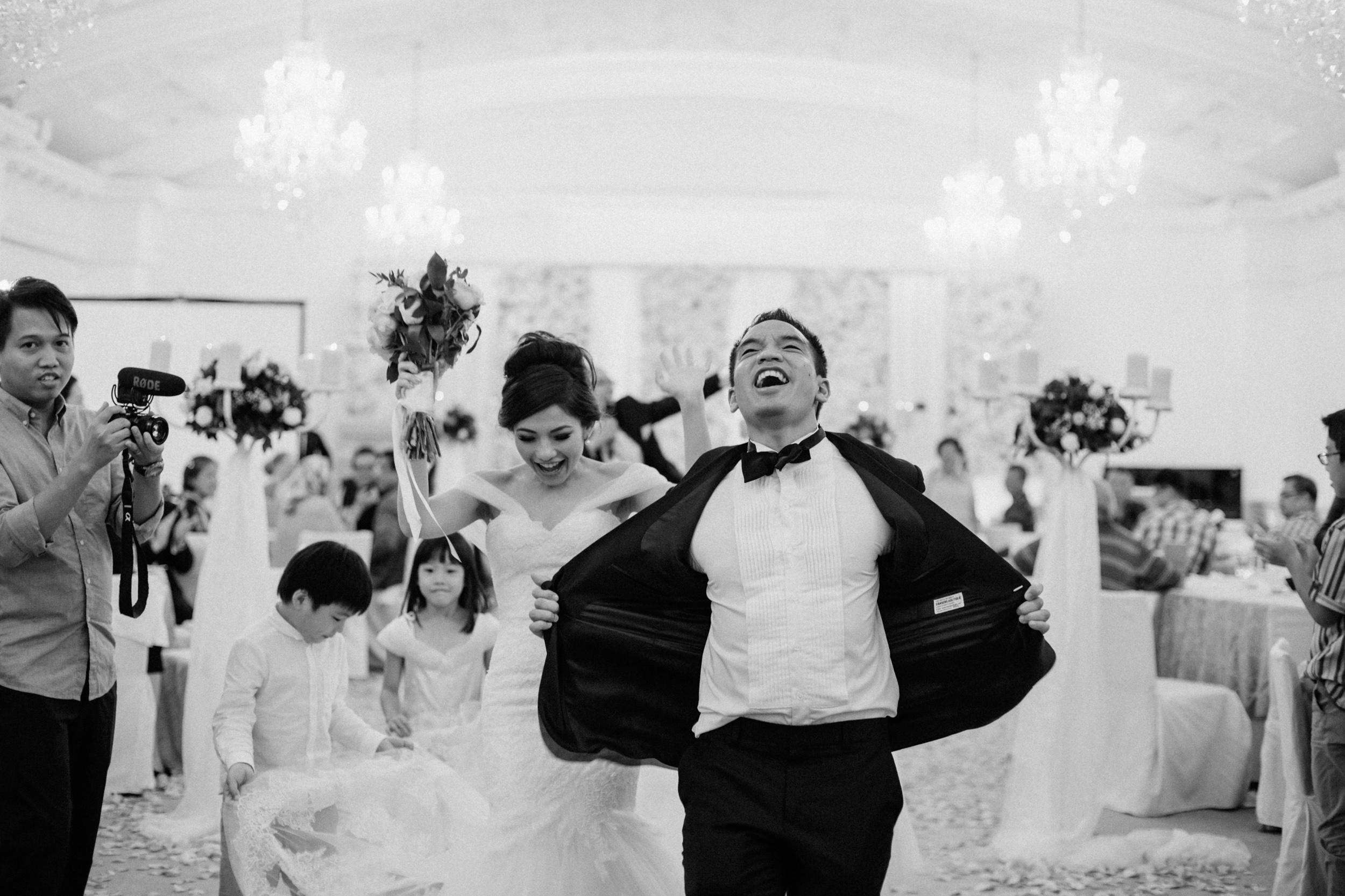 singapore-wedding-photographer-cheryl-matthew-fullerton-hotel-wedding-89.jpg